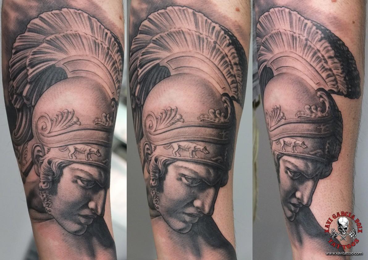 xavi garcia boix tattoo retrato realismo portrait realism tatuaje valencia diversos random Aquiles sculpture escultura