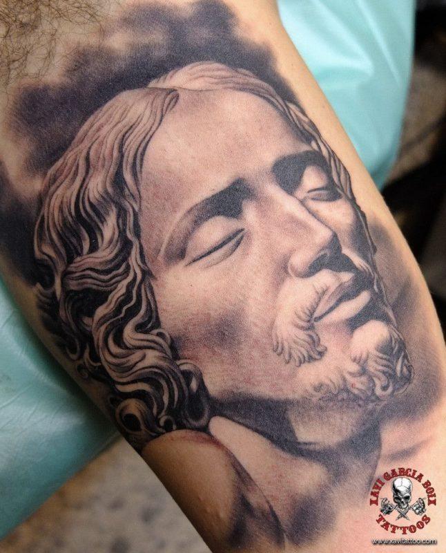 xavi garcia boix tattoo retrato realismo portrait realism tatuaje valencia diversos random cristo jesus sculpture escultura