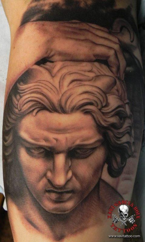 xavi garcia boix tattoo retrato realismo portrait realism tatuaje valencia diversos random lucifer 2 sculpture escultura