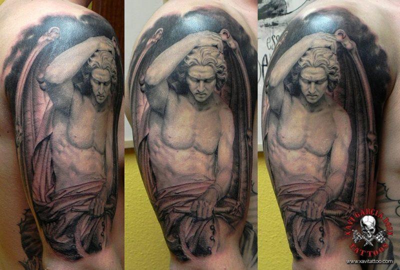 xavi garcia boix tattoo retrato realismo portrait realism tatuaje valencia diversos random lucifer sculpture escultura