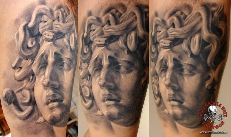 xavi garcia boix tattoo retrato realismo portrait realism tatuaje valencia diversos random medusa sculpture escultura