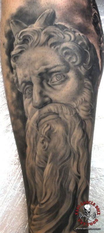 xavi garcia boix tattoo retrato realismo portrait realism tatuaje valencia diversos random moises sculpture escultura