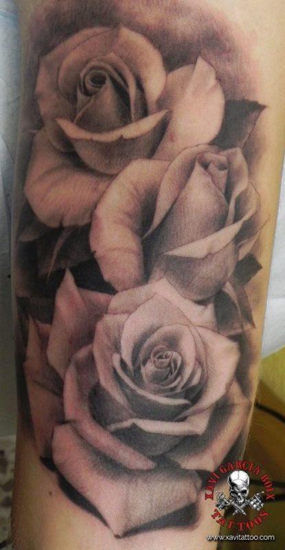 xavi garcia boix tattoo retrato portrait realismo realism tatuaje valencia diversos random rosas roses naturaleza animales nature animals