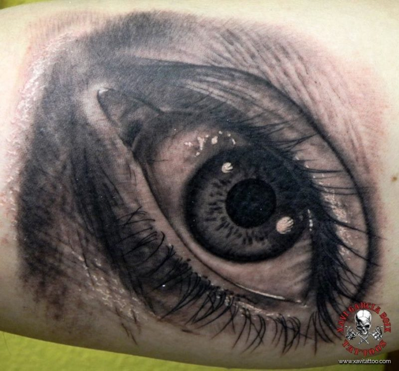 xavi garcia boix tattoo retrato realismo portrait realism tatuaje valencia diversos randomojo eye