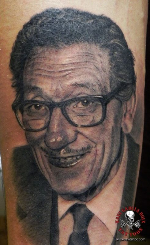 xavi garcia boix tattoo retrato realismo portrait realism tatuaje valencia familia family tatuajes abuelo alberto