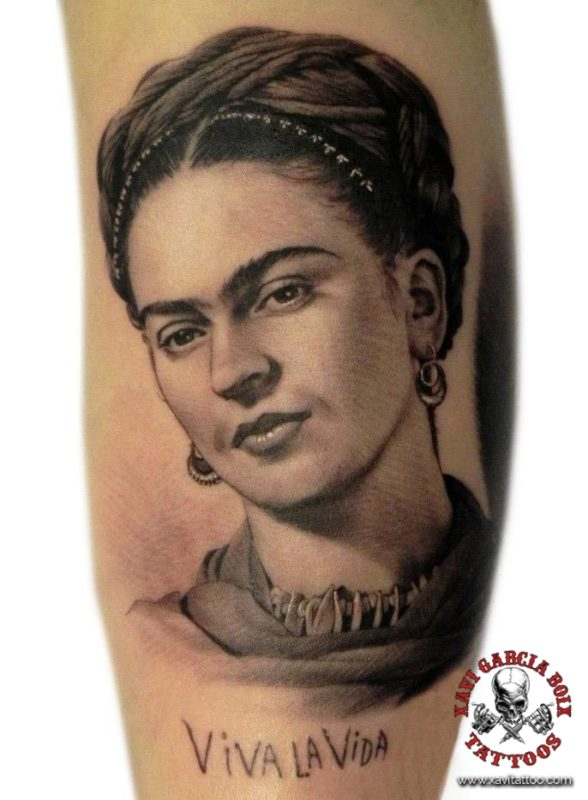 xavi garcia boix tattoo retrato realismo portrait realism tatuaje valencia tatuajes personajes famosos famous characters Frida Kahlo-02
