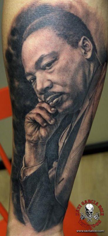 xavi garcia boix tattoo retrato realismo portrait realism tatuaje valencia tatuajes personajes famosos famous characters MARTIN-LUTHER-KING-01