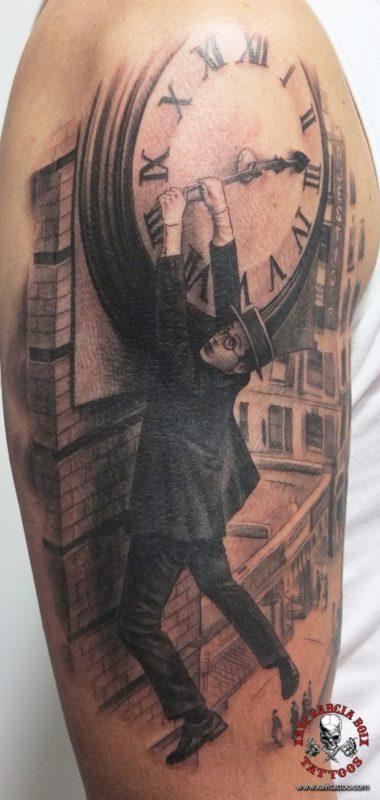 xavi garcia boix tattoo retrato realismo portrait realism tatuaje valencia tatuajes personajes famosos famous characters harold lloyd
