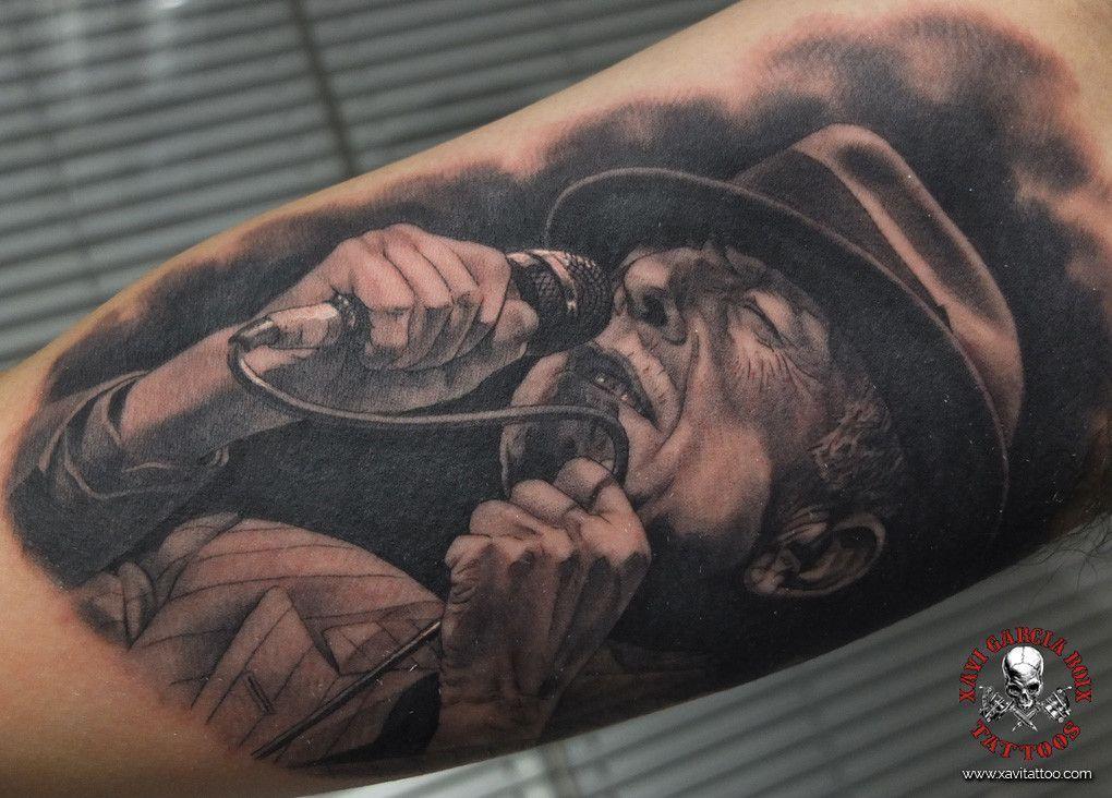 xavi garcia boix tattoo retrato realismo portrait realism tatuaje valencia tatuajes personajes famosos famous characters leonard cohen