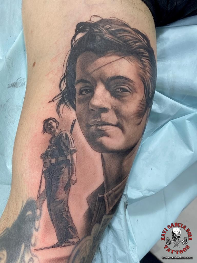xavi garcia boix tattoo retrato realismo portrait realism tatuaje valencia tatuajes personajes famosos famous characters miliciana maria ginesta