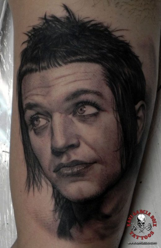xavi garcia boix tattoo retrato realismo portrait realism tatuaje valencia tatuajes personajes famosos famous characters placebo brian molko