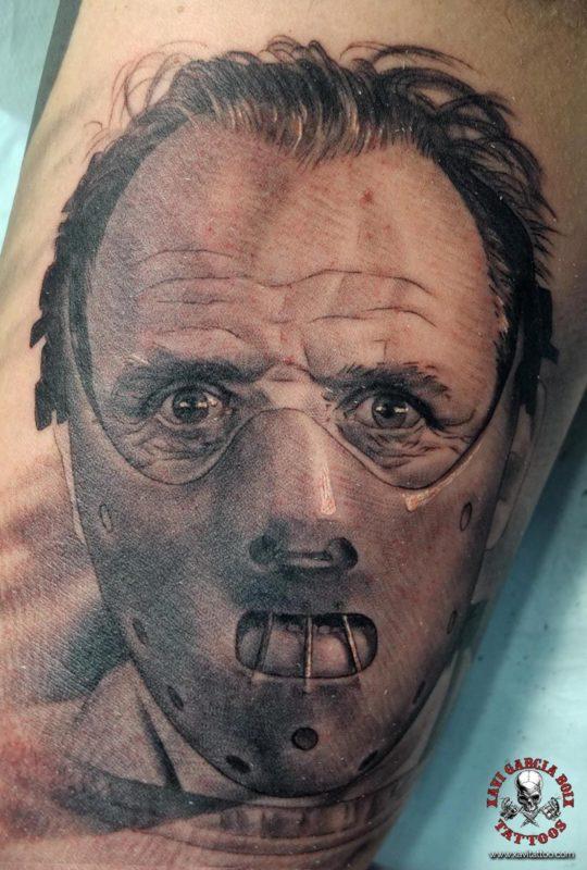 xavi garcia boix tattoo retrato realismo portrait realism tatuaje valencia tatuajes personajes famosos famous characters silencio corderos sielnce lambs hannibal lecter